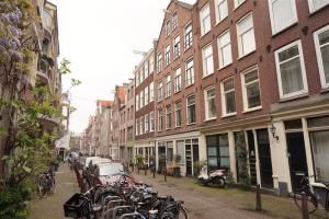 Bekijk studio te huur in Amsterdam Laurierstraat, € 1375, 35m2 - 371528. Geïnteresseerd? Bekijk dan deze studio en laat een bericht achter!