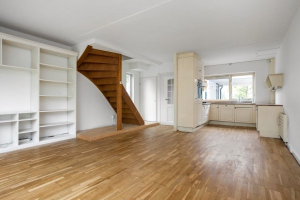 View house for rent in Lelystad Karveel 56, € 1480, 115m2 - 376567. Interested? check out this house and leave a message!