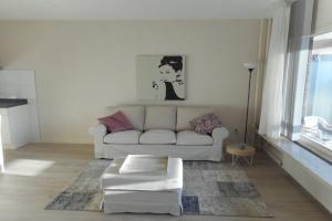 Bekijk appartement te huur in Den Haag E. Mauhslaan: Gemeubileerd Appartement - € 980, 55m2 - 358643