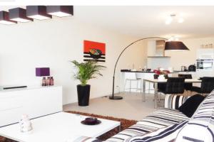 Bekijk appartement te huur in Rotterdam Kruisplein, € 2150, 110m2 - 357817. Geïnteresseerd? Bekijk dan deze appartement en laat een bericht achter!