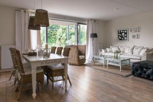 Bekijk appartement te huur in Vinkeveen Molenkade, € 1500, 77m2 - 363403. Geïnteresseerd? Bekijk dan deze appartement en laat een bericht achter!