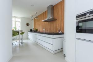 Bekijk woning te huur in Den Haag Hoornse Hop, € 3950, 160m2 - 375327. Geïnteresseerd? Bekijk dan deze woning en laat een bericht achter!