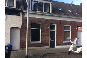 View house for rent in Tilburg Zuid-Oosterstraat, € 850, 110m2 - 374221. Interested? check out this house and leave a message!