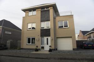 Bekijk woning te huur in Almere Fortunastraat, € 2650, 236m2 - 345192. Geïnteresseerd? Bekijk dan deze woning en laat een bericht achter!