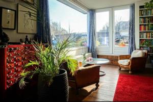 Bekijk woning te huur in Amsterdam Kromme Waal, € 1850, 53m2 - 335749. Geïnteresseerd? Bekijk dan deze woning en laat een bericht achter!