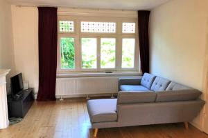 Bekijk appartement te huur in Amsterdam Pythagorasstraat, € 1550, 53m2 - 379774. Geïnteresseerd? Bekijk dan deze appartement en laat een bericht achter!