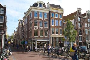 Bekijk appartement te huur in Amsterdam Prinsengracht, € 2500, 90m2 - 253942. Geïnteresseerd? Bekijk dan deze appartement en laat een bericht achter!
