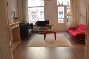 Bekijk appartement te huur in Amsterdam T.J. Steenstraat, € 1600, 70m2 - 365701. Geïnteresseerd? Bekijk dan deze appartement en laat een bericht achter!