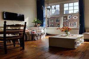 Bekijk appartement te huur in Amsterdam Prins Hendrikkade, € 1500, 68m2 - 388091. Geïnteresseerd? Bekijk dan deze appartement en laat een bericht achter!