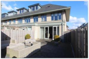 Bekijk woning te huur in Amstelveen Rozemarijnlaan, € 2700, 184m2 - 360978. Geïnteresseerd? Bekijk dan deze woning en laat een bericht achter!