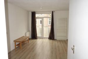 Bekijk appartement te huur in Amsterdam Van Oldenbarneveldtplein, € 1750, 70m2 - 380516. Geïnteresseerd? Bekijk dan deze appartement en laat een bericht achter!