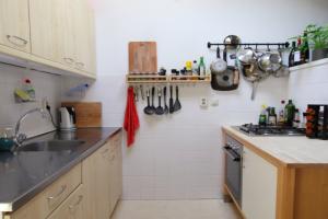 Bekijk appartement te huur in Den Haag Gedempte Burgwal, € 960, 82m2 - 376720. Geïnteresseerd? Bekijk dan deze appartement en laat een bericht achter!