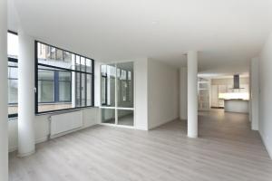 Bekijk appartement te huur in Amsterdam Tweede Hugo de Grootstraat, € 1825, 93m2 - 375595. Geïnteresseerd? Bekijk dan deze appartement en laat een bericht achter!