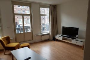 Bekijk appartement te huur in Amsterdam Tweede Hugo de Grootstraat, € 1850, 55m2 - 372800. Geïnteresseerd? Bekijk dan deze appartement en laat een bericht achter!
