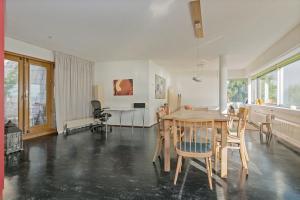 Bekijk woning te huur in Huizen Harderwijkerzand, € 2295, 135m2 - 372831. Geïnteresseerd? Bekijk dan deze woning en laat een bericht achter!