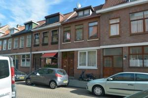 Bekijk appartement te huur in Rotterdam Hoogvlietstraat, € 950, 85m2 - 366598. Geïnteresseerd? Bekijk dan deze appartement en laat een bericht achter!