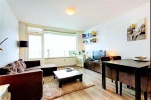 Bekijk appartement te huur in Bussum Aagje Dekenlaan, € 840, 55m2 - 285998. Geïnteresseerd? Bekijk dan deze appartement en laat een bericht achter!