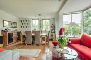 View house for rent in Breda Heilaarpark, € 2200, 176m2 - 350196. Interested? check out this house and leave a message!