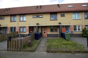 Bekijk woning te huur in Almere J. Vermeerstraat, € 1150, 88m2 - 341804. Geïnteresseerd? Bekijk dan deze woning en laat een bericht achter!
