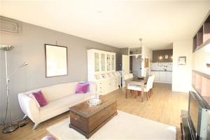 Bekijk appartement te huur in Amstelveen Kringloop, € 1400, 65m2 - 356085. Geïnteresseerd? Bekijk dan deze appartement en laat een bericht achter!