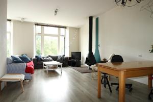 Bekijk appartement te huur in Groningen Nieuwe Ebbingestraat, € 1750, 161m2 - 394972. Geïnteresseerd? Bekijk dan deze appartement en laat een bericht achter!