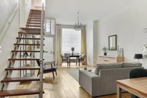 Bekijk woning te huur in Den Haag Stille Veerkade, € 2500, 136m2 - 384735. Geïnteresseerd? Bekijk dan deze woning en laat een bericht achter!