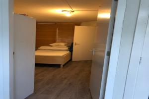 Bekijk appartement te huur in Amsterdam Kinrooistraat, € 1650, 60m2 - 380519. Geïnteresseerd? Bekijk dan deze appartement en laat een bericht achter!