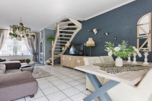 View house for rent in Leiden Mecklenburgerstraat, € 1495, 79m2 - 378773. Interested? check out this house and leave a message!