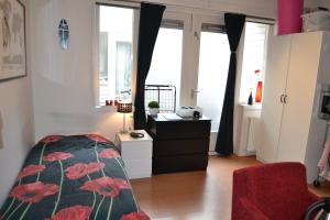Bekijk kamer te huur in Groningen Nieuwe Blekerstraat, € 425, 18m2 - 335514. Geïnteresseerd? Bekijk dan deze kamer en laat een bericht achter!