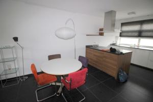 Bekijk woning te huur in Enschede Lipperkerkstraat, € 1350, 135m2 - 309261. Geïnteresseerd? Bekijk dan deze woning en laat een bericht achter!