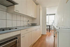 View house for rent in Rotterdam Joostingstraat, € 1200, 150m2 - 373043. Interested? check out this house and leave a message!