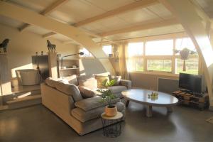 Bekijk woning te huur in Weesp 's-Gravelandseweg, € 2250, 100m2 - 367042. Geïnteresseerd? Bekijk dan deze woning en laat een bericht achter!