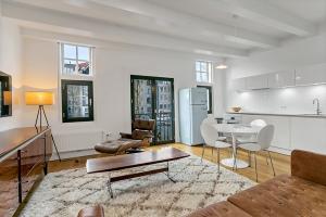 Bekijk appartement te huur in Amsterdam Prinsengracht, € 2750, 80m2 - 284620. Geïnteresseerd? Bekijk dan deze appartement en laat een bericht achter!