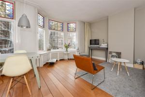 Bekijk appartement te huur in Amsterdam Tolstraat, € 1450, 55m2 - 376659. Geïnteresseerd? Bekijk dan deze appartement en laat een bericht achter!