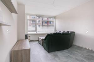 Bekijk appartement te huur in Rotterdam Schalkeroord, € 945, 65m2 - 378264. Geïnteresseerd? Bekijk dan deze appartement en laat een bericht achter!