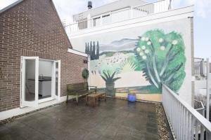 Bekijk appartement te huur in Amsterdam Utrechtsedwarsstraat, € 1950, 98m2 - 393414. Geïnteresseerd? Bekijk dan deze appartement en laat een bericht achter!
