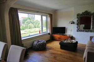 Bekijk appartement te huur in Voorburg Alberdingk Thijmkade, € 1475, 115m2 - 371071. Geïnteresseerd? Bekijk dan deze appartement en laat een bericht achter!