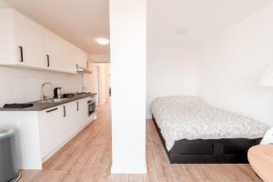 Bekijk appartement te huur in Den Haag Weteringkade, € 750, 22m2 - 382533. Geïnteresseerd? Bekijk dan deze appartement en laat een bericht achter!