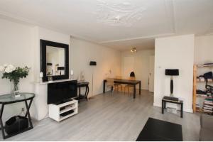 Bekijk appartement te huur in Den Haag Aert van der Goesstraat, € 1100, 70m2 - 388034. Geïnteresseerd? Bekijk dan deze appartement en laat een bericht achter!