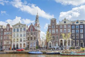 Bekijk woning te huur in Amsterdam Zandstraat, € 2950, 110m2 - 339200. Geïnteresseerd? Bekijk dan deze woning en laat een bericht achter!