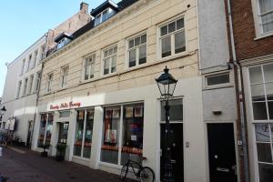 Bekijk appartement te huur in Den Bosch Minderbroedersstraat, € 895, 35m2 - 352190. Geïnteresseerd? Bekijk dan deze appartement en laat een bericht achter!