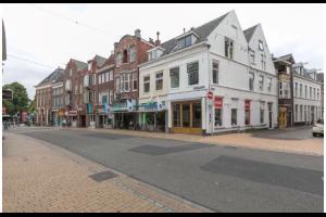Bekijk kamer te huur in Groningen Hofstraat, € 650, 30m2 - 319554. Geïnteresseerd? Bekijk dan deze kamer en laat een bericht achter!