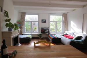 Bekijk appartement te huur in Amsterdam Sarphatistraat, € 1650, 75m2 - 378155. Geïnteresseerd? Bekijk dan deze appartement en laat een bericht achter!
