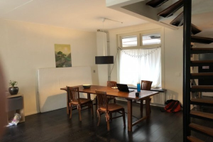 View house for rent in Leeuwarden Tuinbouwstraat, € 800, 90m2 - 380114. Interested? check out this house and leave a message!