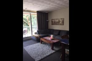 Bekijk appartement te huur in Tilburg Hugo Verrieststraat: Gemeubileerd 3-kamer appartement met parkeerplaats! - € 1345, 65m2 - 324047