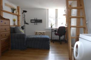 Bekijk kamer te huur in Tilburg Heuvelstraat, € 410, 20m2 - 339773. Geïnteresseerd? Bekijk dan deze kamer en laat een bericht achter!