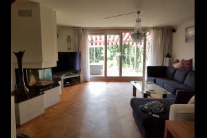 Bekijk woning te huur in Arnhem Volendamstraat, € 1095, 215m2 - 320247. Geïnteresseerd? Bekijk dan deze woning en laat een bericht achter!