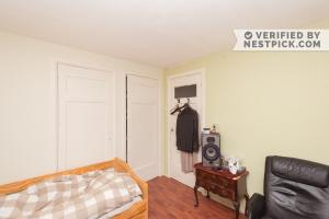 Bekijk kamer te huur in Den Haag Polsbroekstraat, € 479, 15m2 - 332142. Geïnteresseerd? Bekijk dan deze kamer en laat een bericht achter!