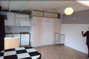 View studio for rent in Den Haag Westvlietweg, € 650, 40m2 - 387912. Interested? check out this studio and leave a message!