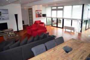 Bekijk appartement te huur in Den Haag Hooikade: Appartement - € 3950, 178m2 - 339015